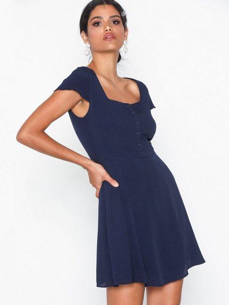 Billede af Glamorous Short Sleeve Dress Skater kjoler