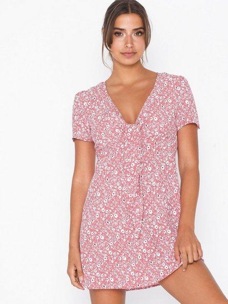 Billede af Glamorous Short Sleeve Knot Dress Skater kjoler