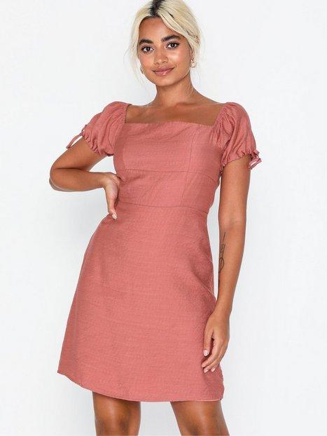Billede af Glamorous Puffy Short Sleeve Dress Skater kjoler