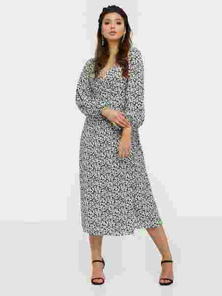 Long Sleeve Floral Midi Dress Black Flower