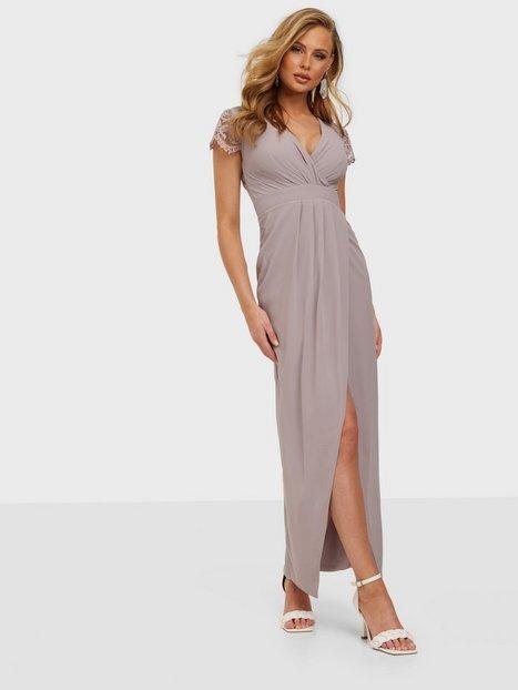 TFNC Quinn Maxi Dress Maxikjoler