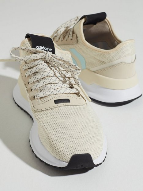 Se Adidas Originals U_PATH X W Low Top ved Nelly