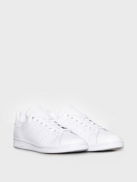 Se Adidas Originals Stan Smith Sneakers Hvid ved NLY Man