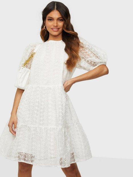 Sisters Point Lace Puff Sleeve Dress Skater kjoler