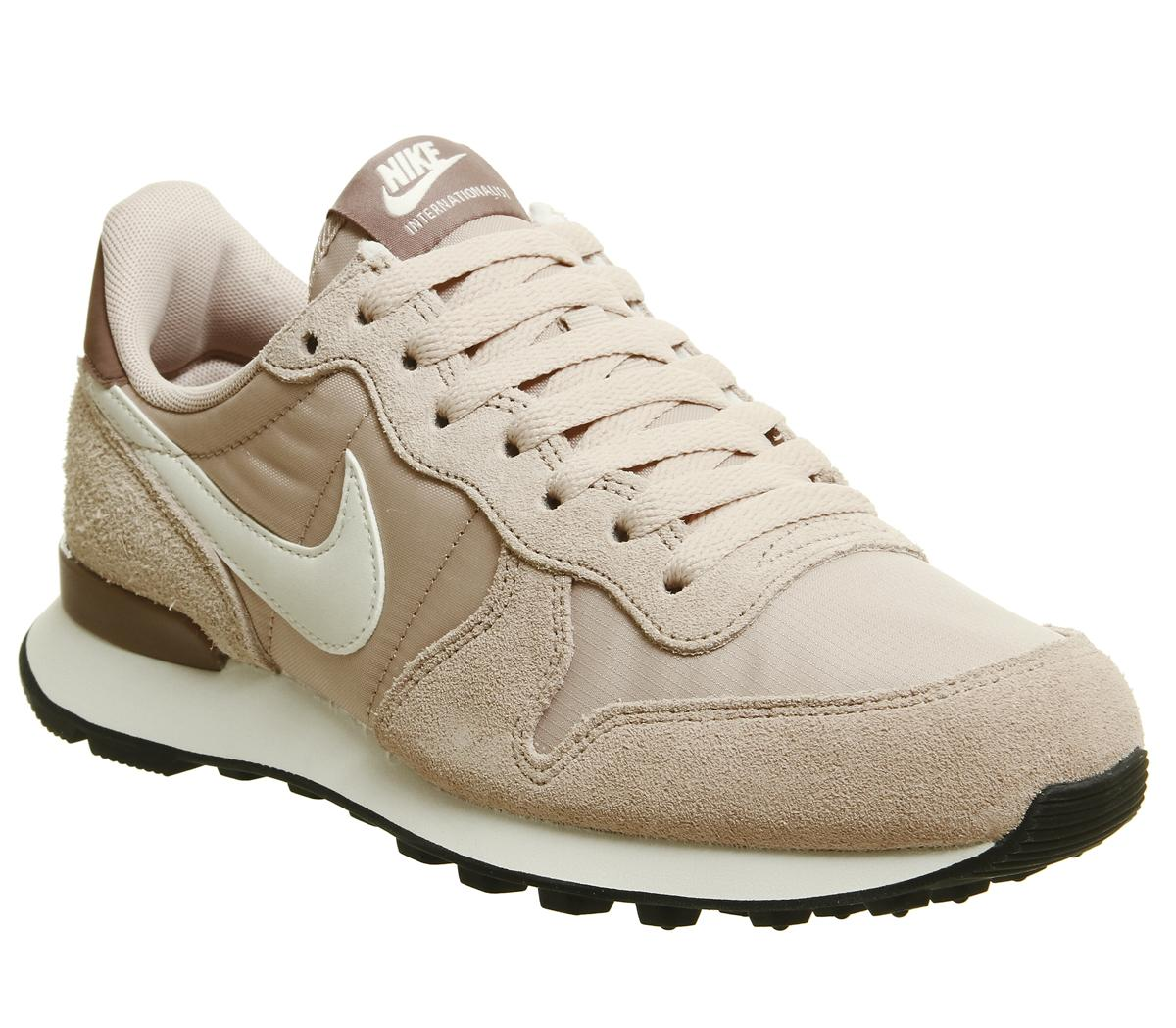 Invertir pandilla Cuaderno  Nike Nike Internationalist Trainers Particle Beige Summit White Smokey -  Hers trainers