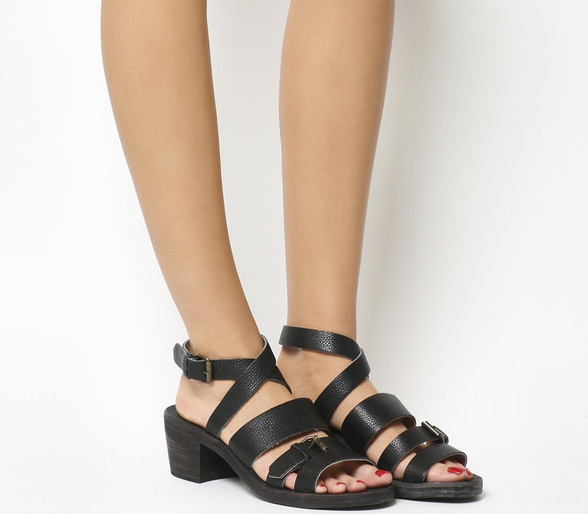 Lemmen Heeled Sandal
