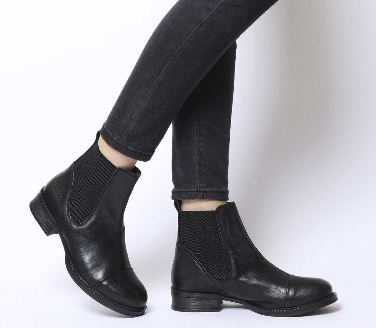 Pandora Chelsea Boots