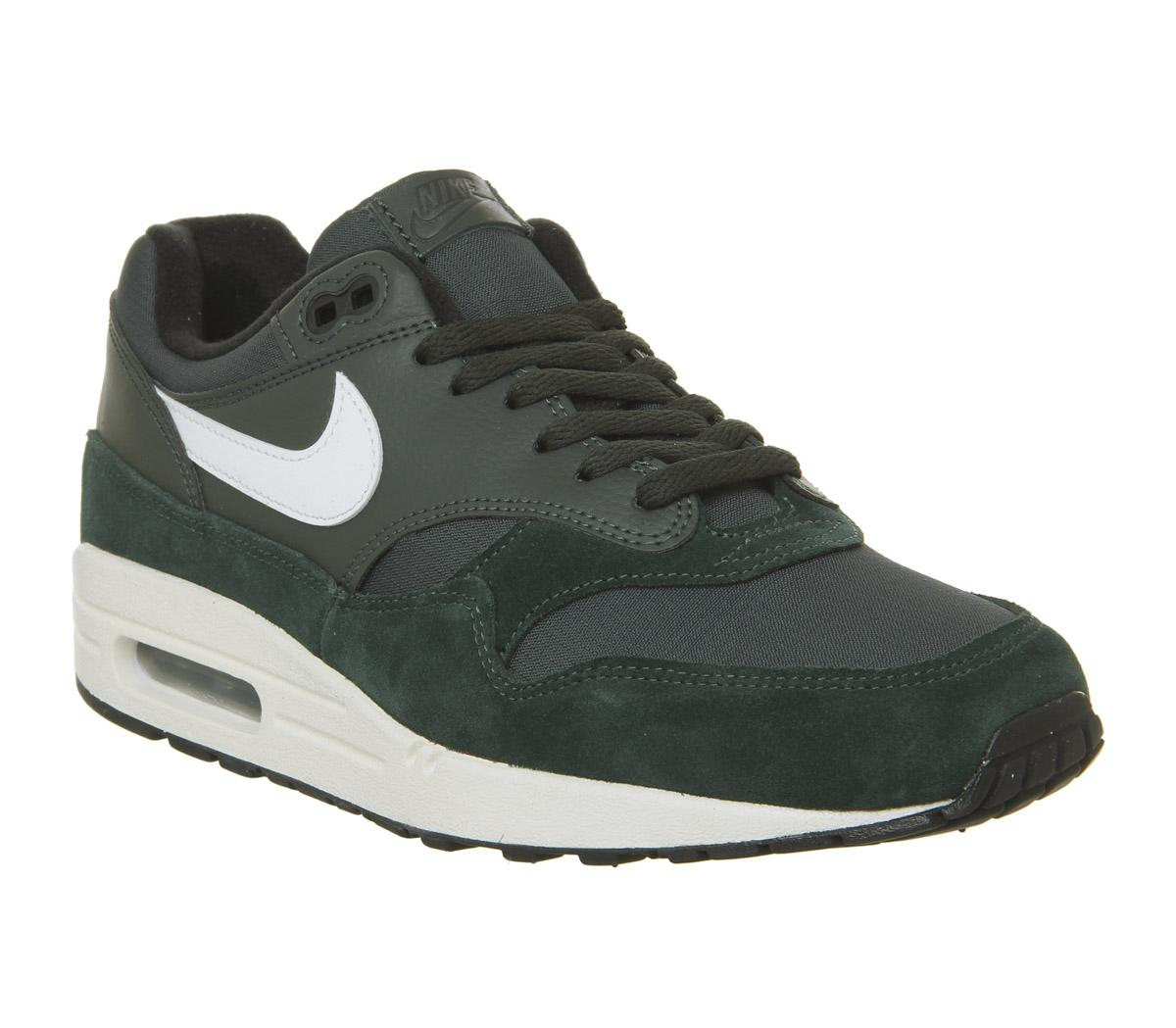 Nike Air Max 1 Trainers Outdoor Green