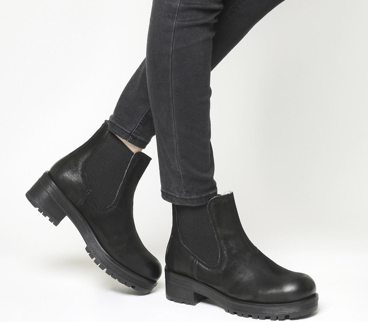 Clarisse Chelsea Boots