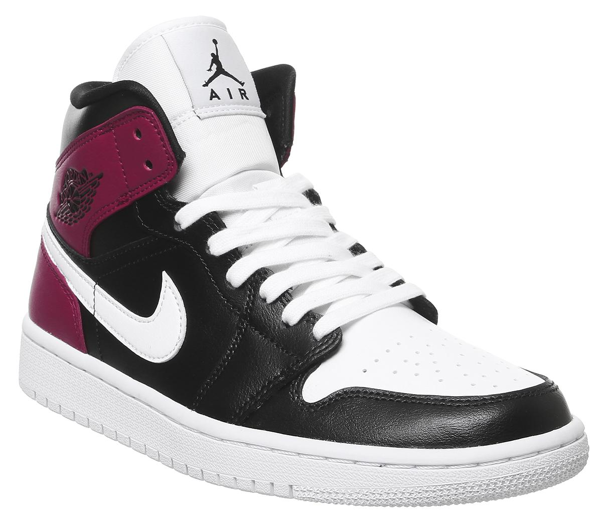 Air Jordan 1 Mid Trainers