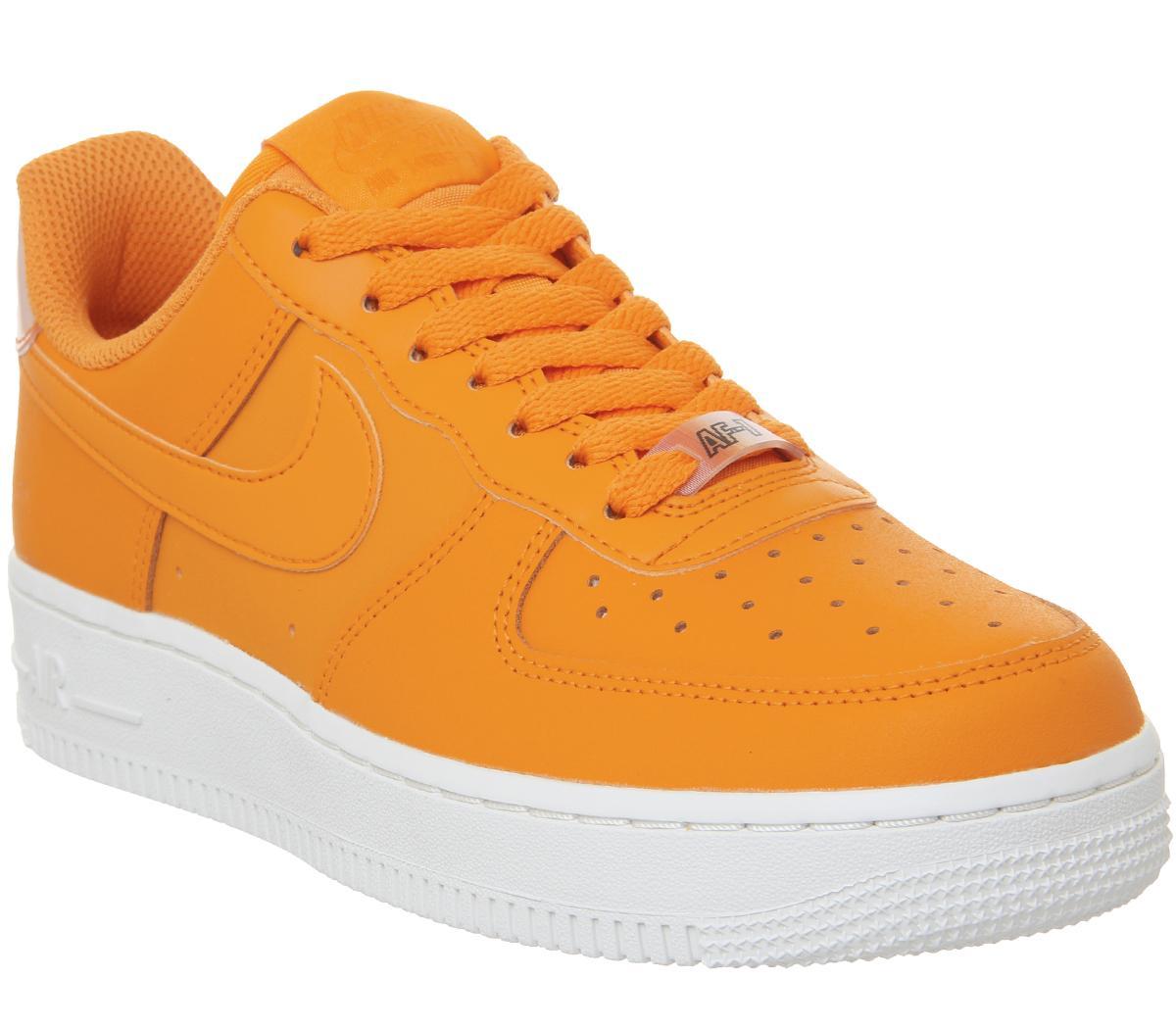 Nike Air Force 1 07 Trainers Orange