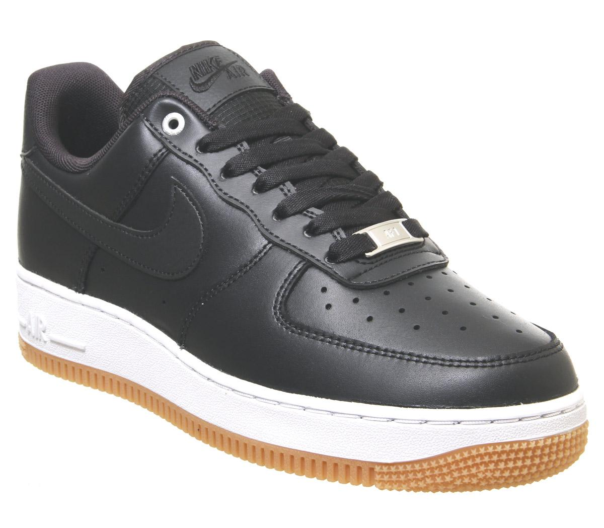 Nike Air Force 1 07 Trainers Off Noir