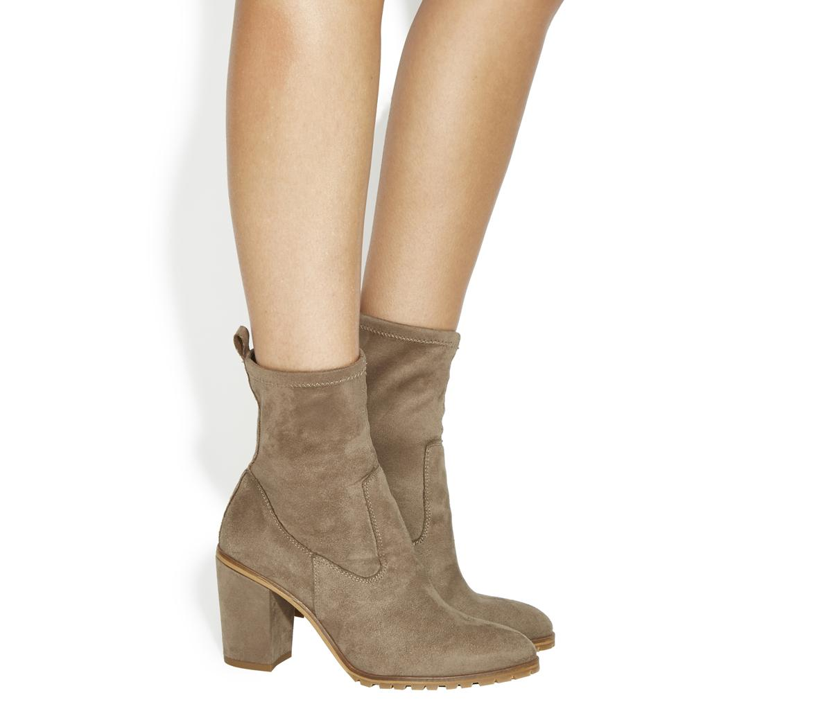 Love Heart High Cut Boots