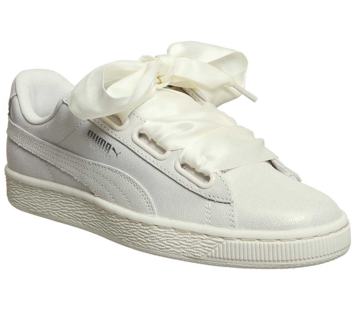 4 pairs of Girls White Trainer socks Hearts Design 4-5 Years