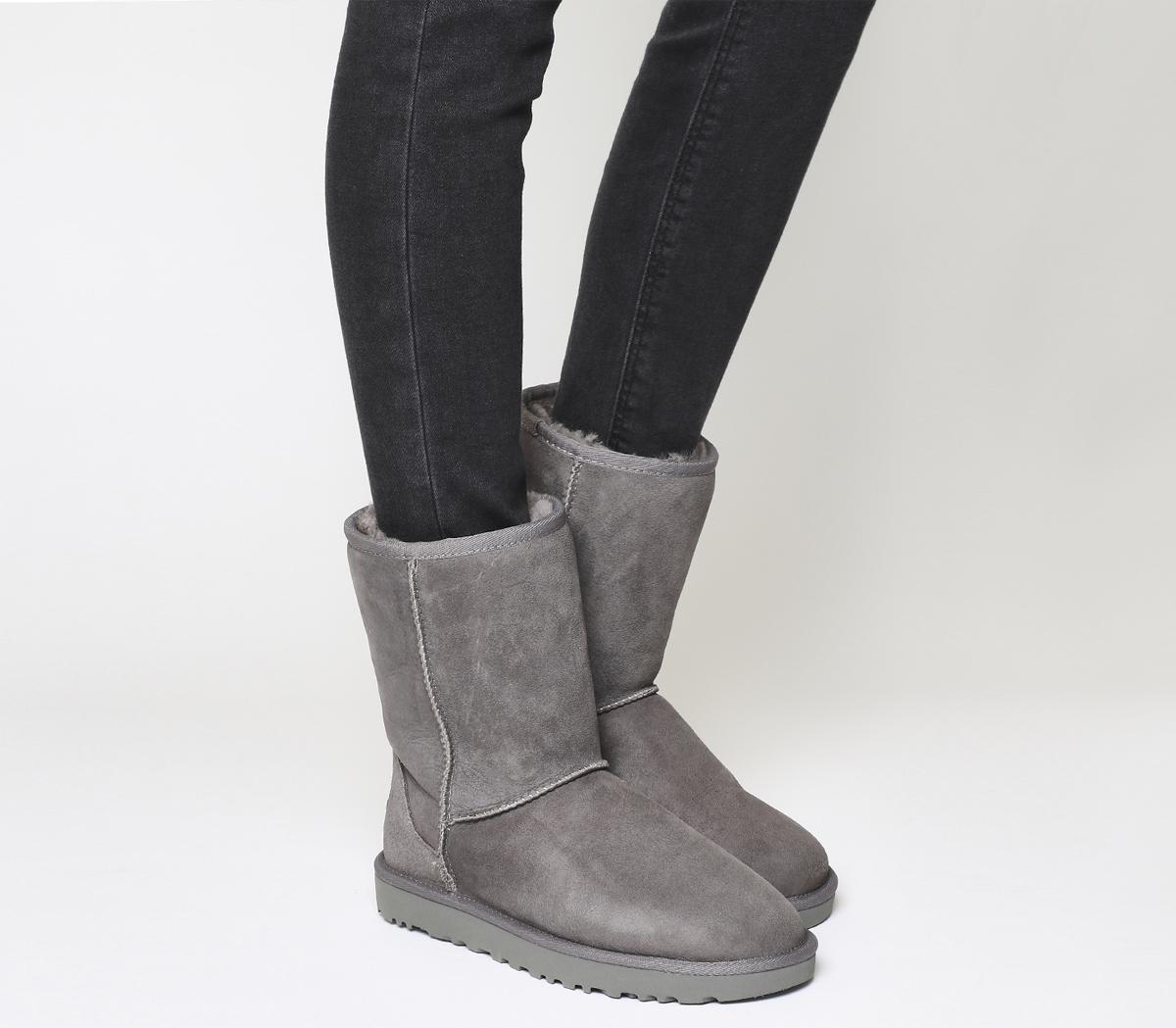UGG Classic Short II Boots Grey Suede