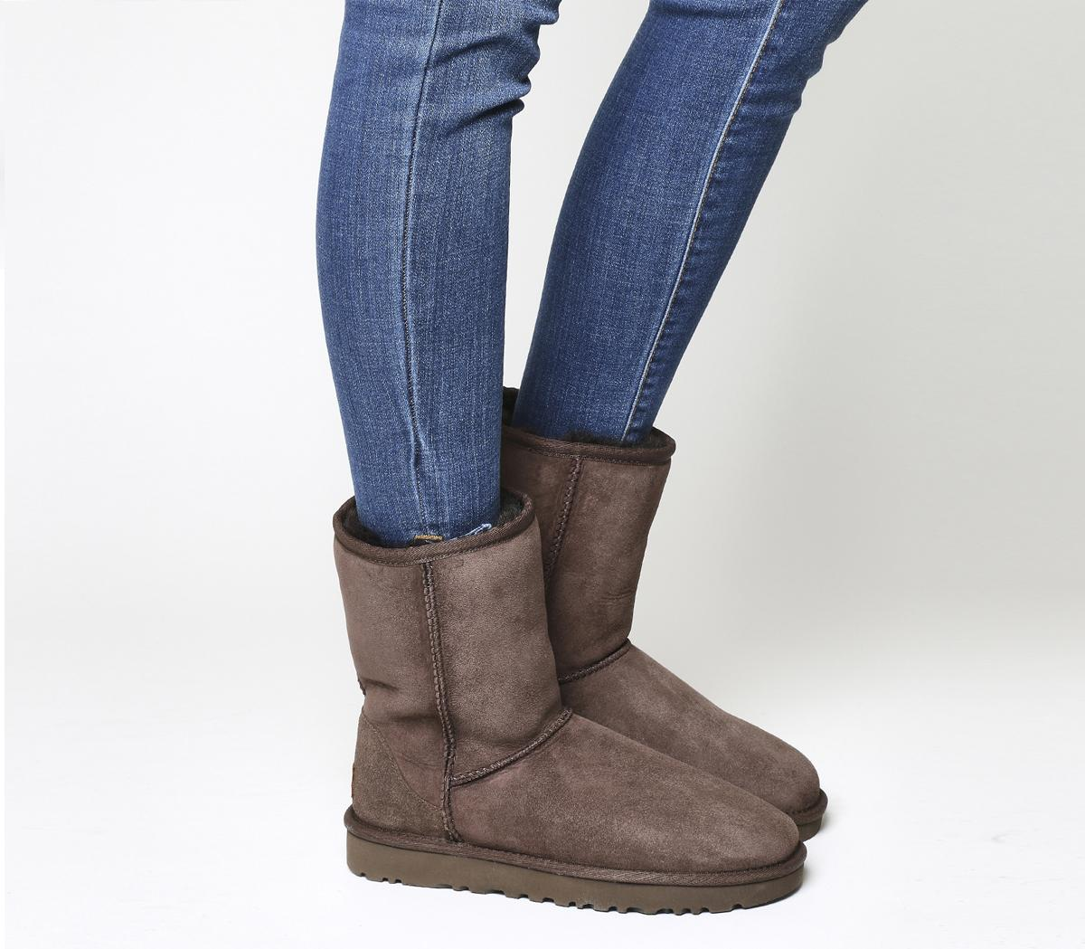 UGG Classic Short II Boots Chocolate