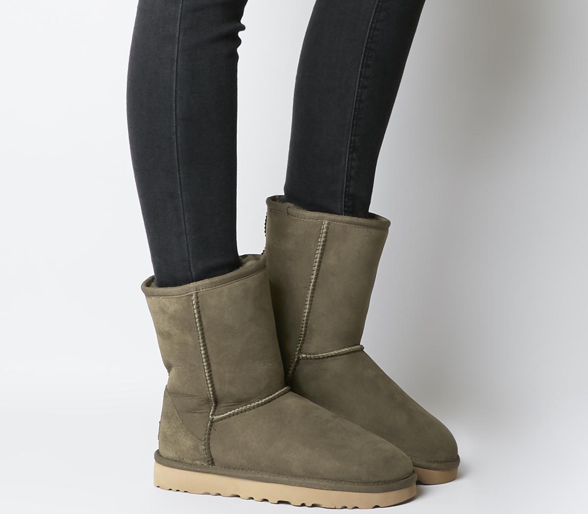 nya stilar stort urval skridsko skor UGG Classic Short II Boots Eucalyptus Spray - Ankle Boots