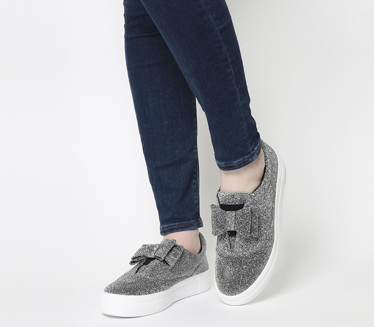 Funday Bow Trim Trainers