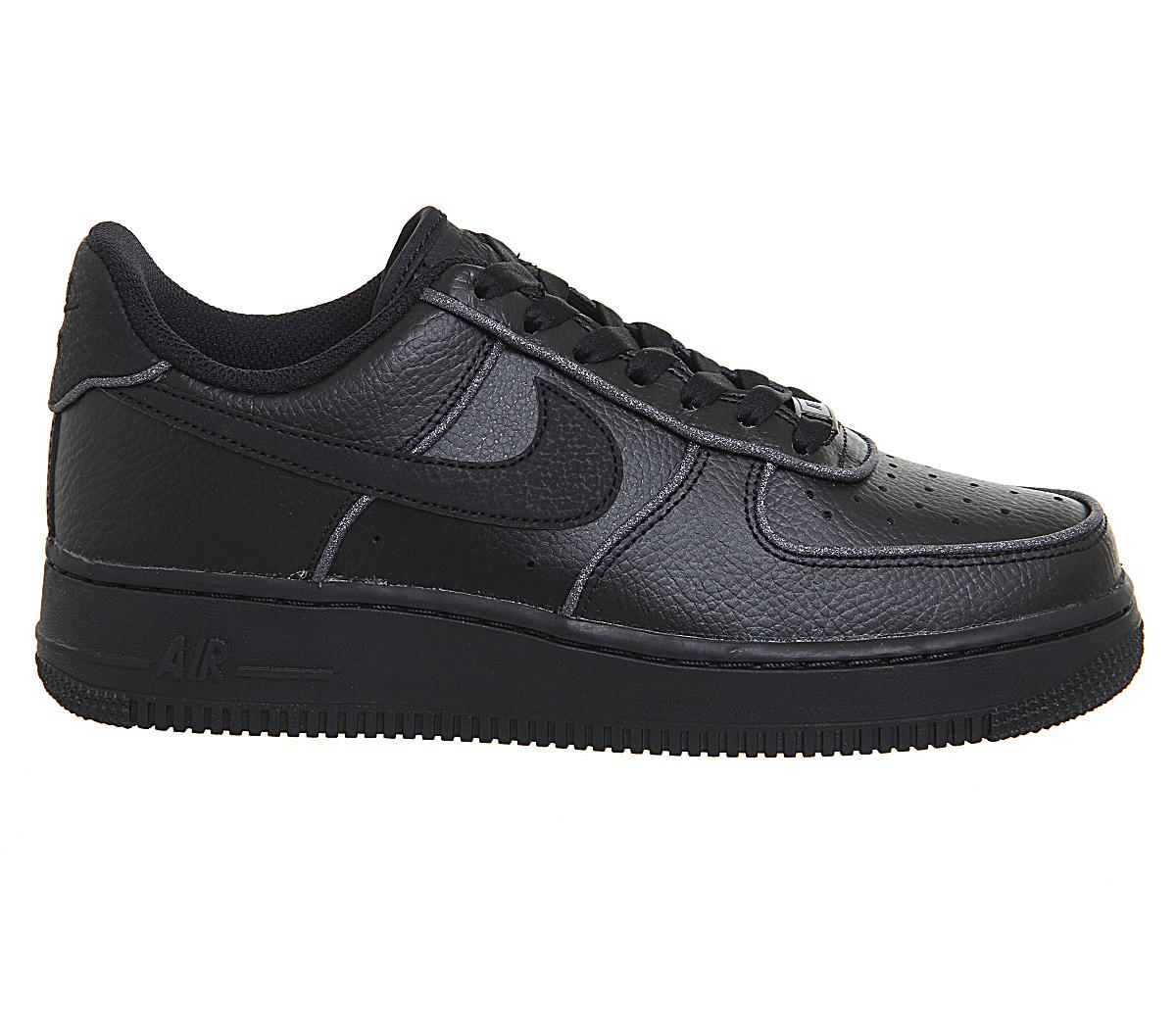 Nike Air Force 1 07 Trainers Black