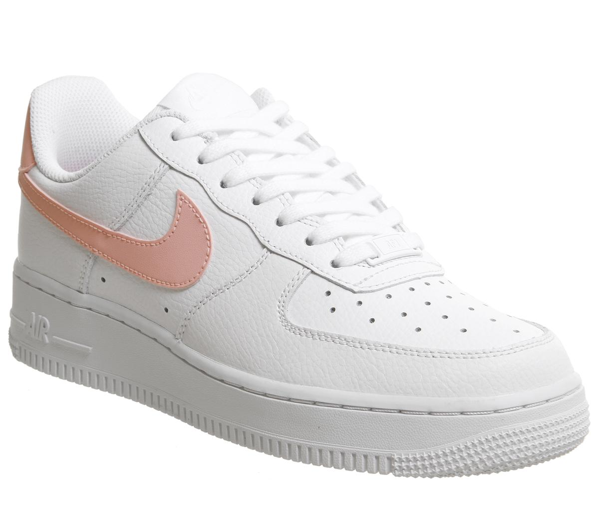 apenas Despertar Emperador  Nike Air Force 1 07 Trainers White Oracle Pink White - Hers trainers