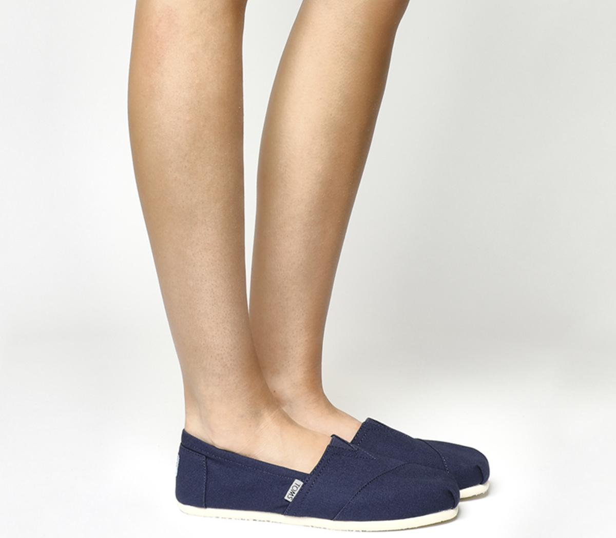 Toms Classic Slip Ons Navy Canvas - Flats