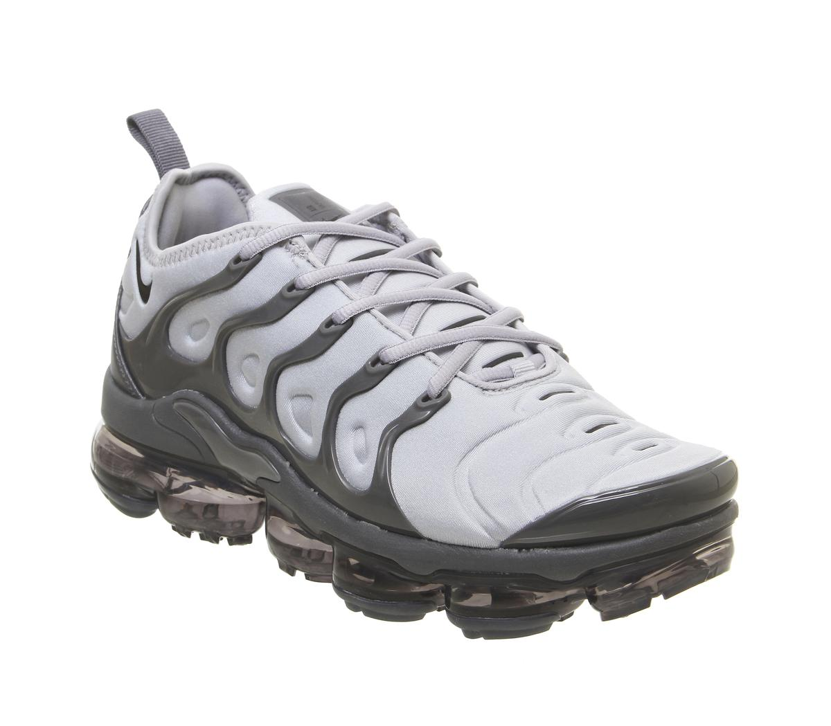 Nike Air Vapormax Plus Trainers Wolf