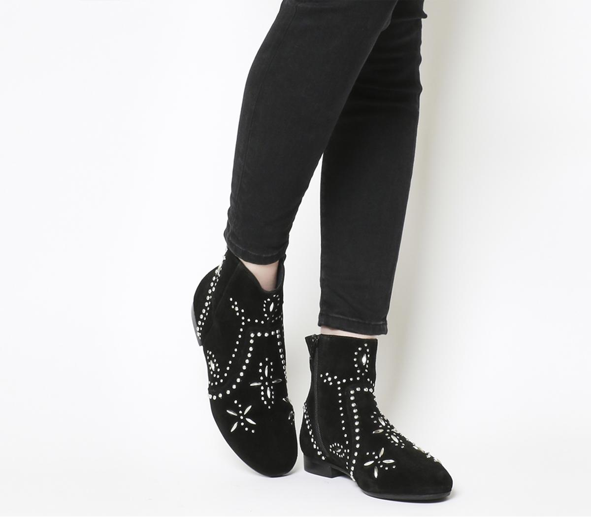 Avenue Flat Casual Boots