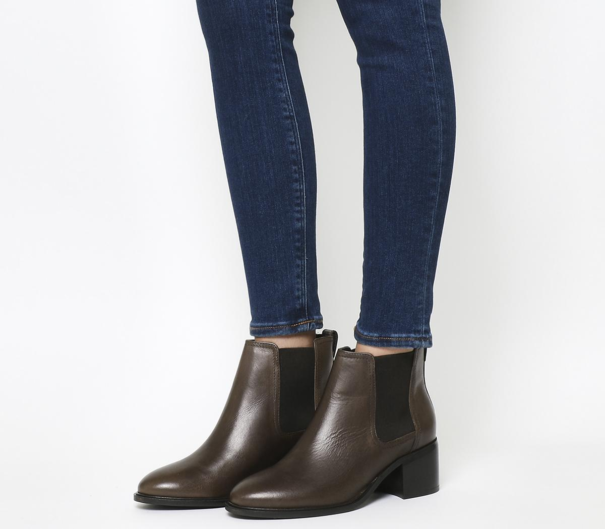 Abacus Mid Heel Chelsea Boots