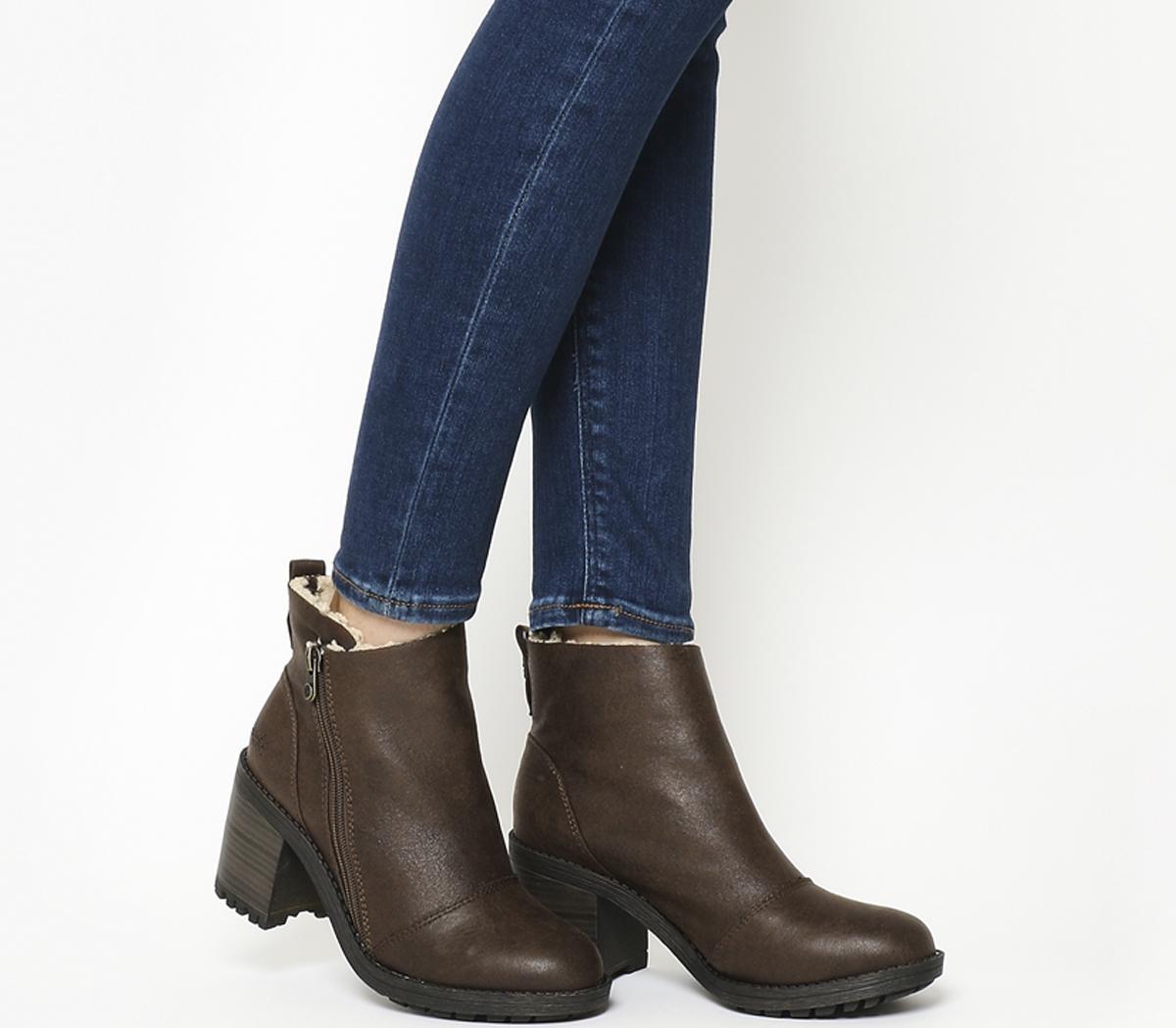 Jumper Boots