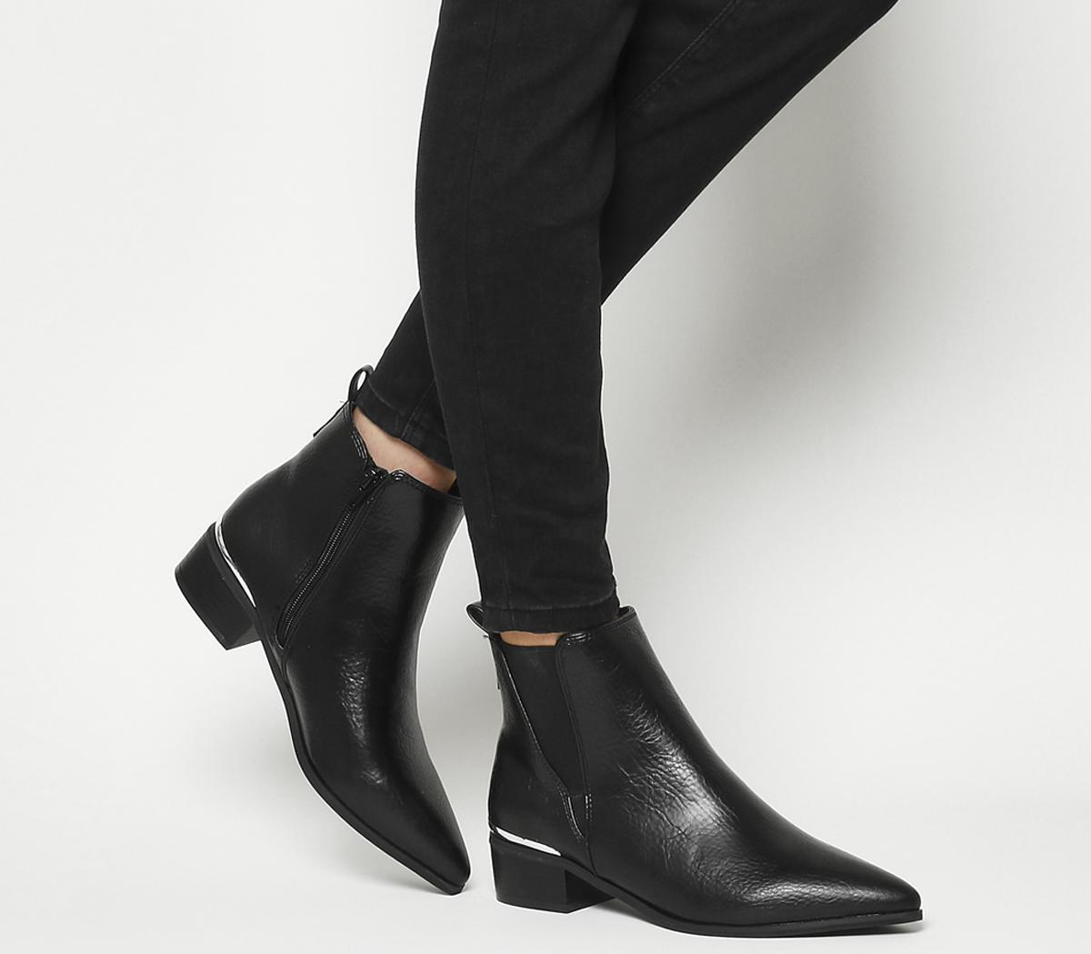 Anchor-pointed Flat Chelsea