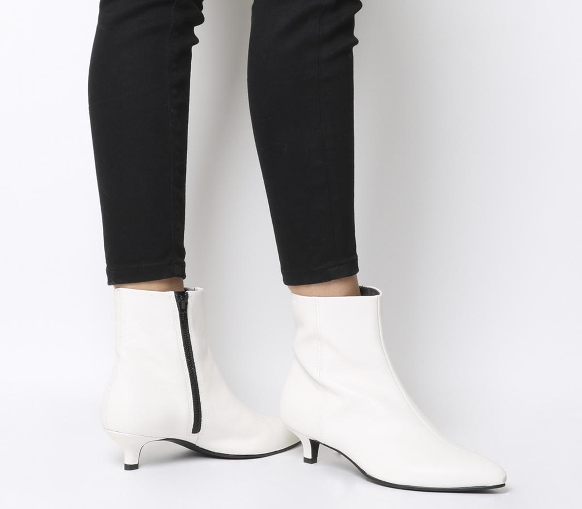 Vagabond Minna Mid Heel Boots White