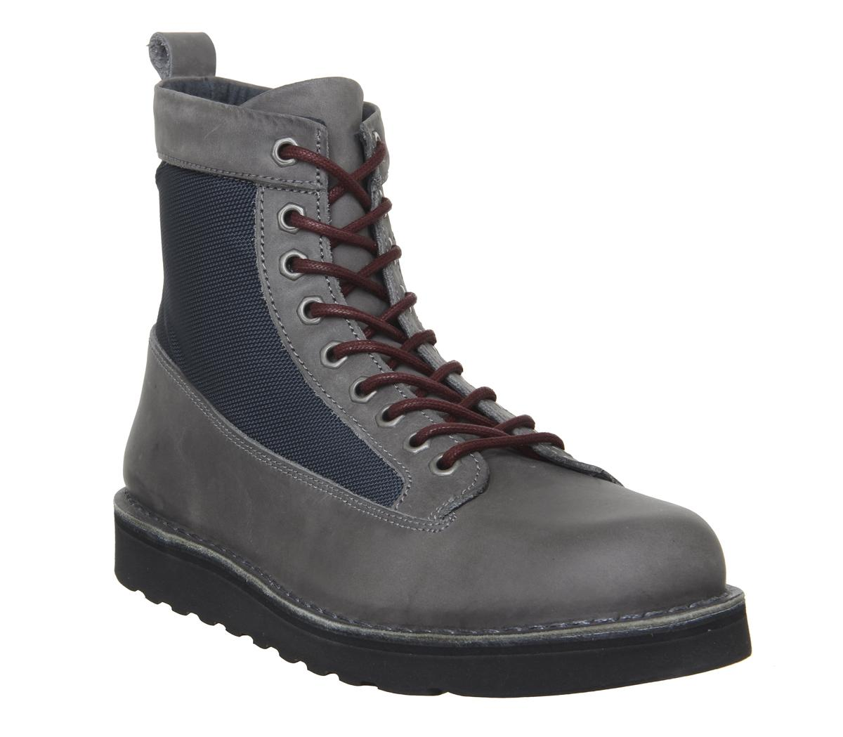 Incline Hiker Boots