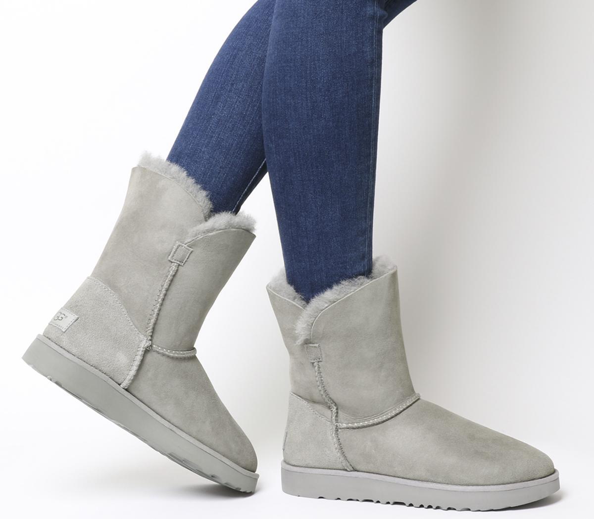 UGG Classic Cuff Short Boots Seal