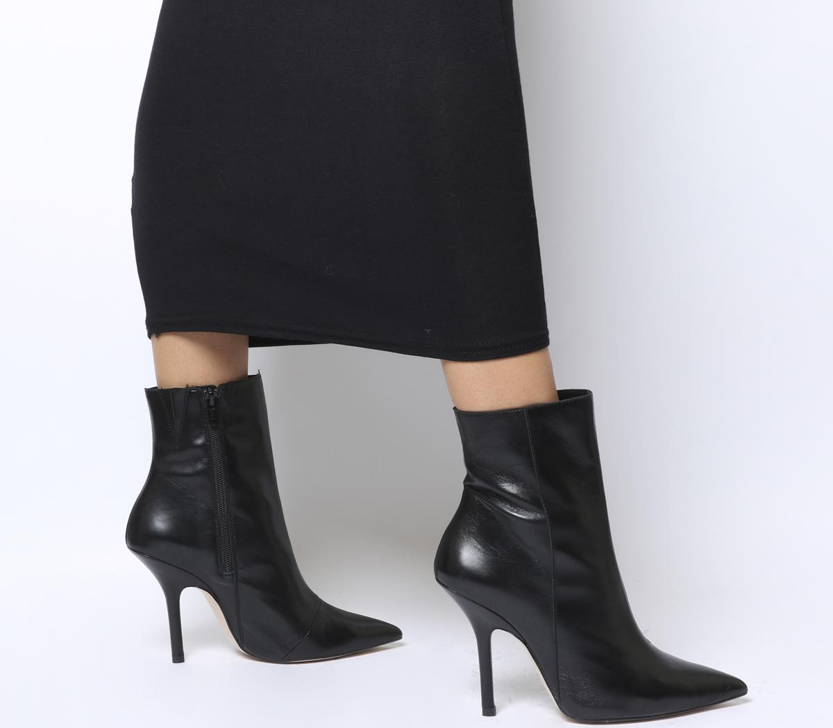 Ambitious Extreme Point Stiletto Boots
