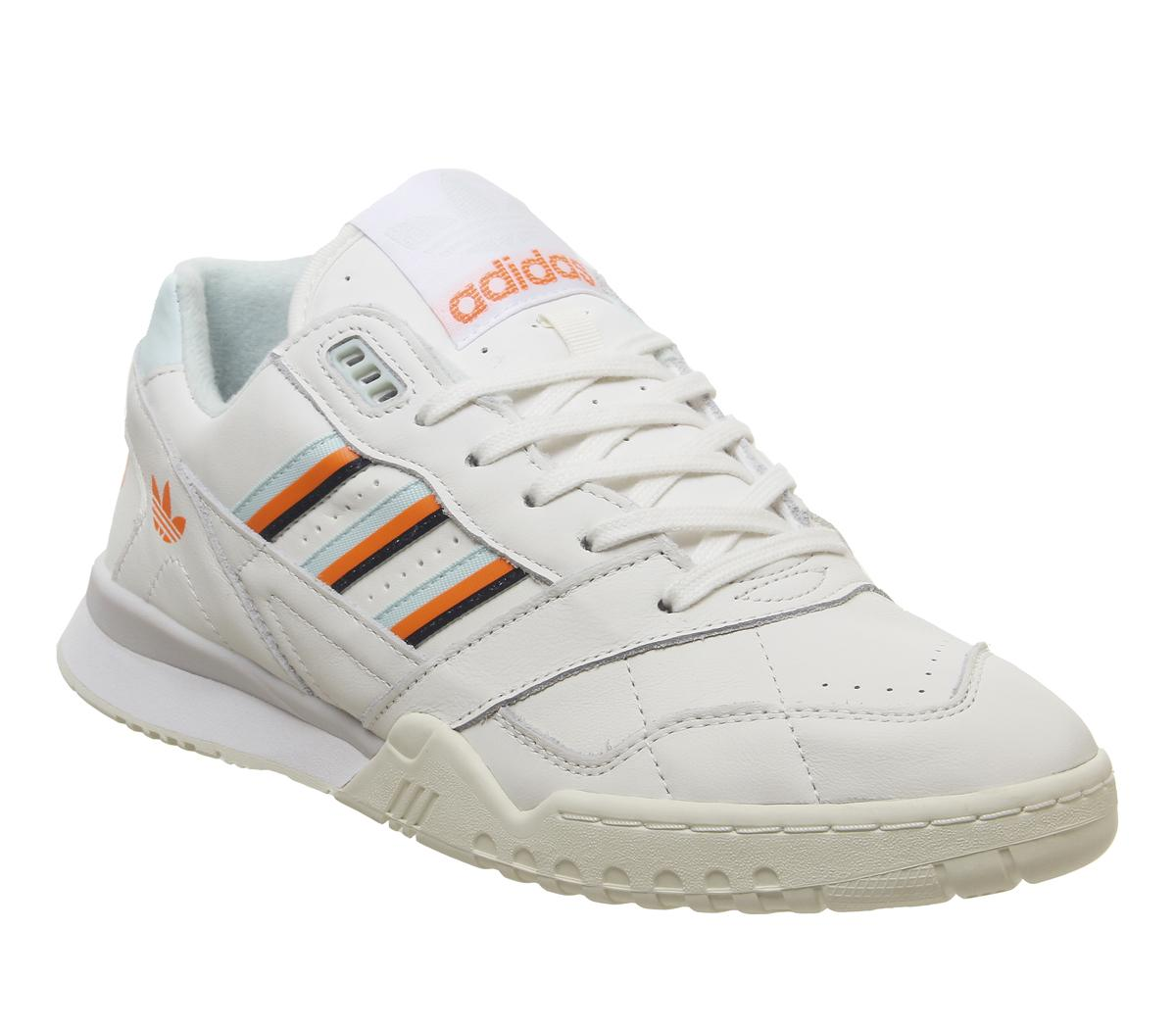 A.r Trainers