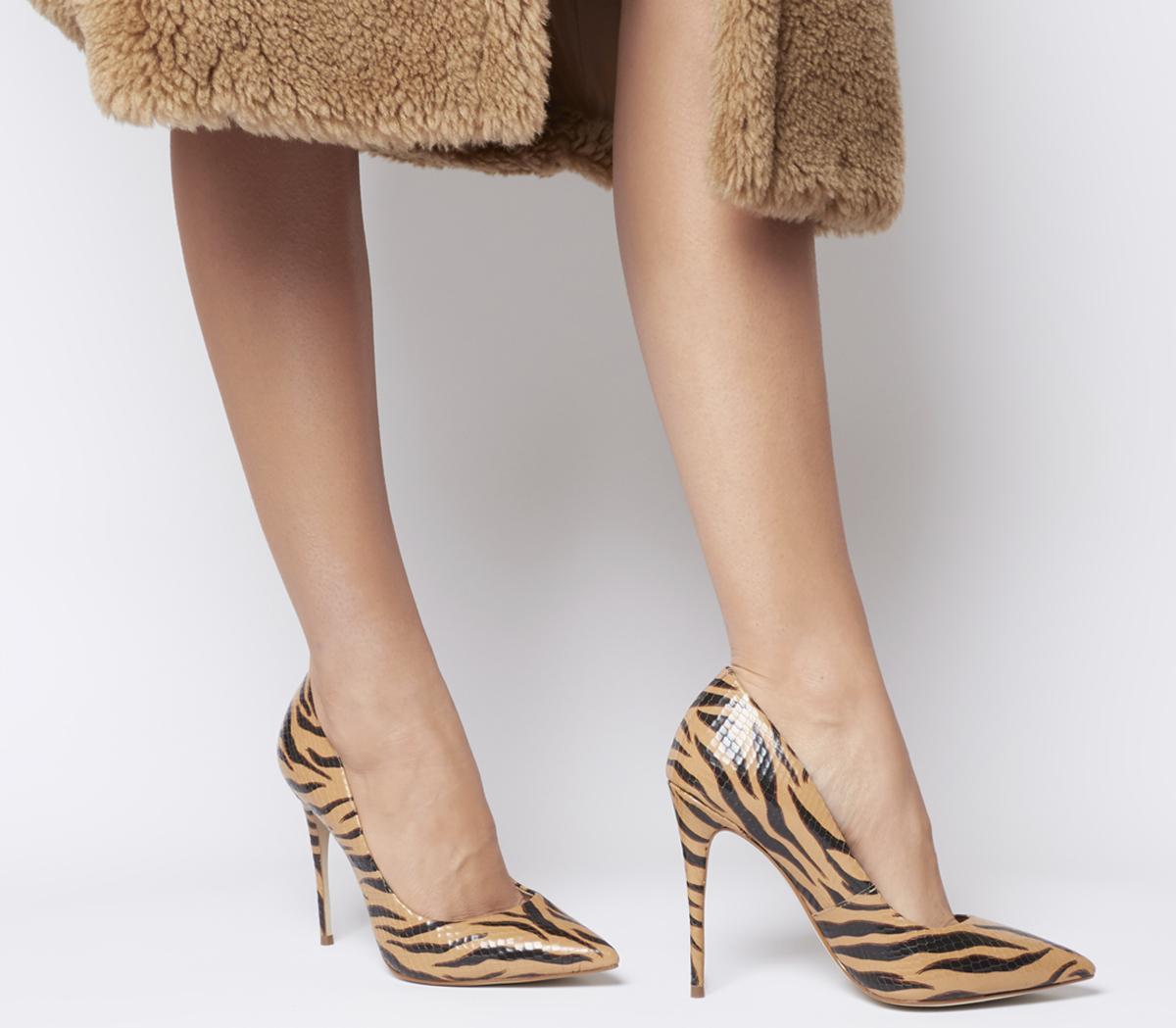 Highbeam Pointed Court Heels