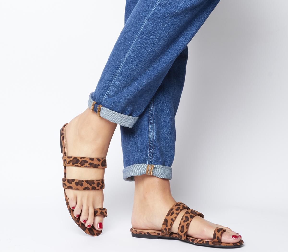 Selfie Toe Loop Sandals