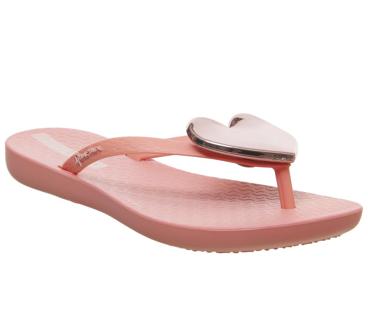 Maxi Heart Sandals