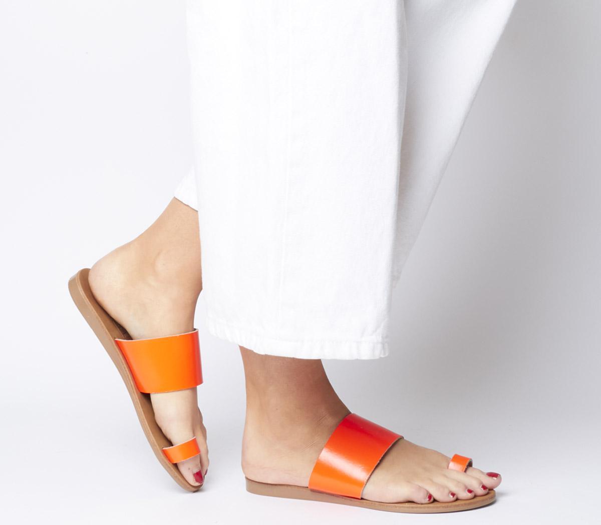 Scuba Toe Loop Sandals