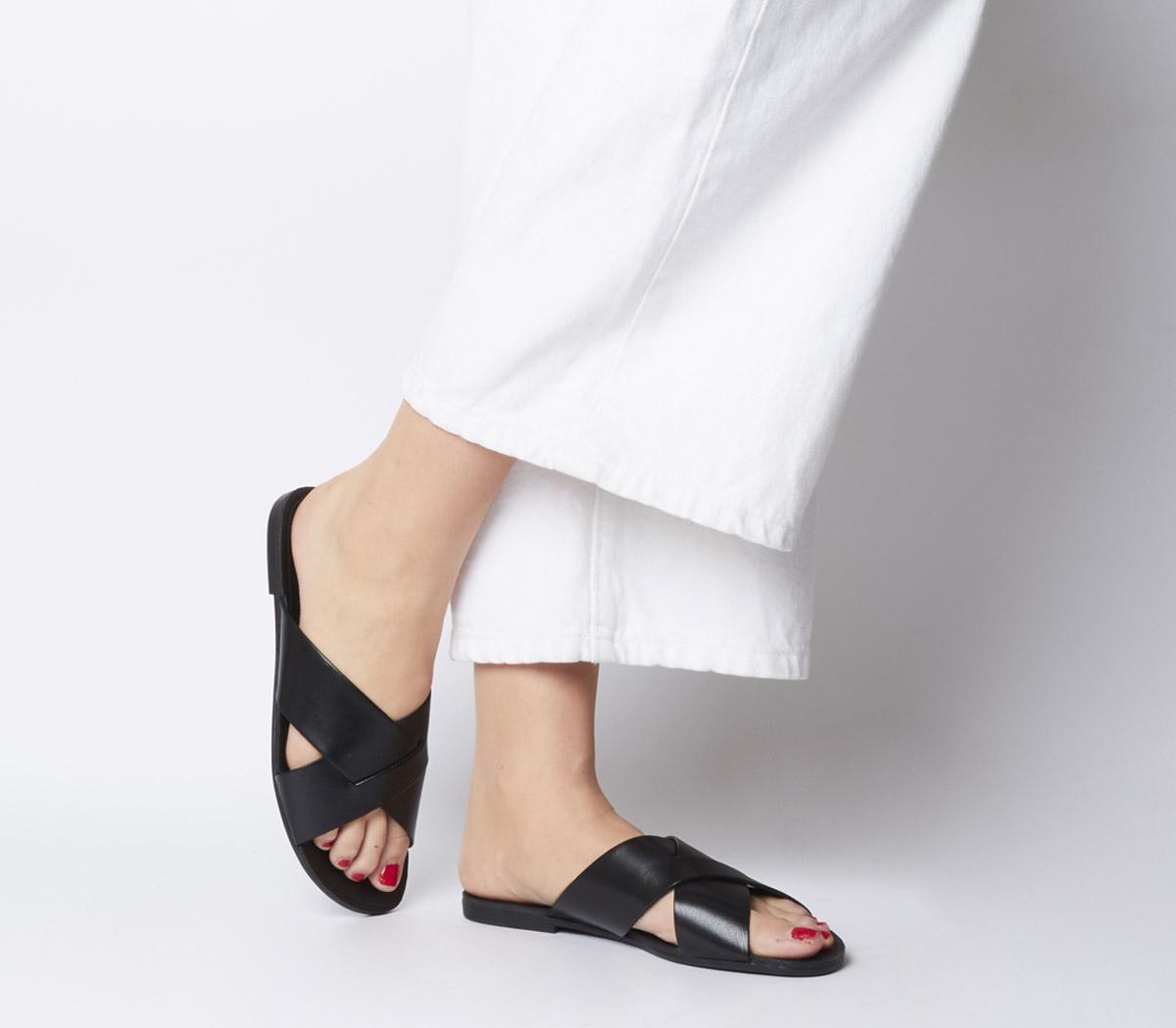 Vagabond Tia Cross Sandals Black - Sandals