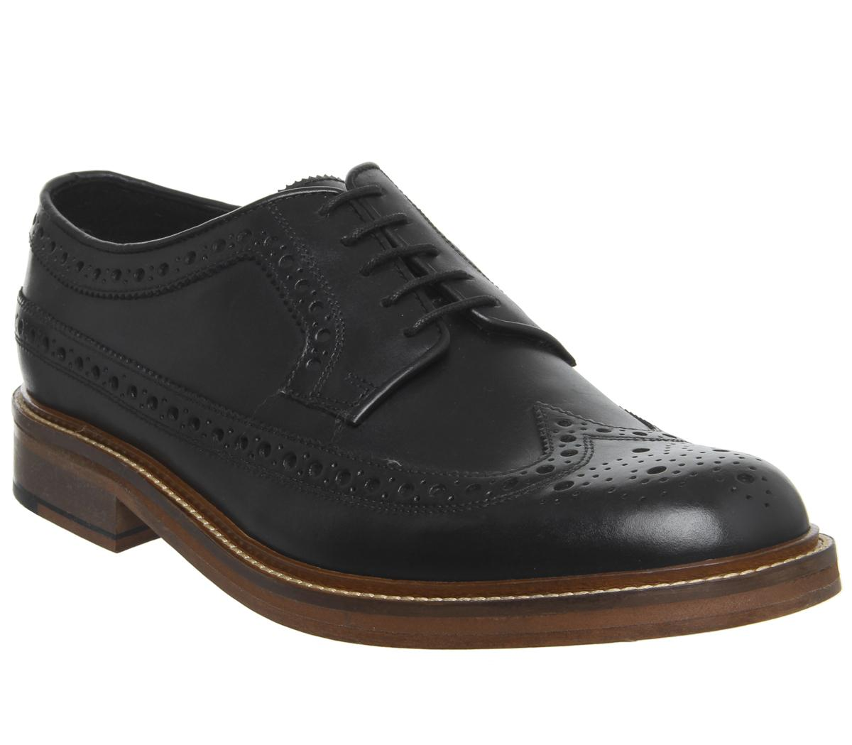 Lucre Brogues