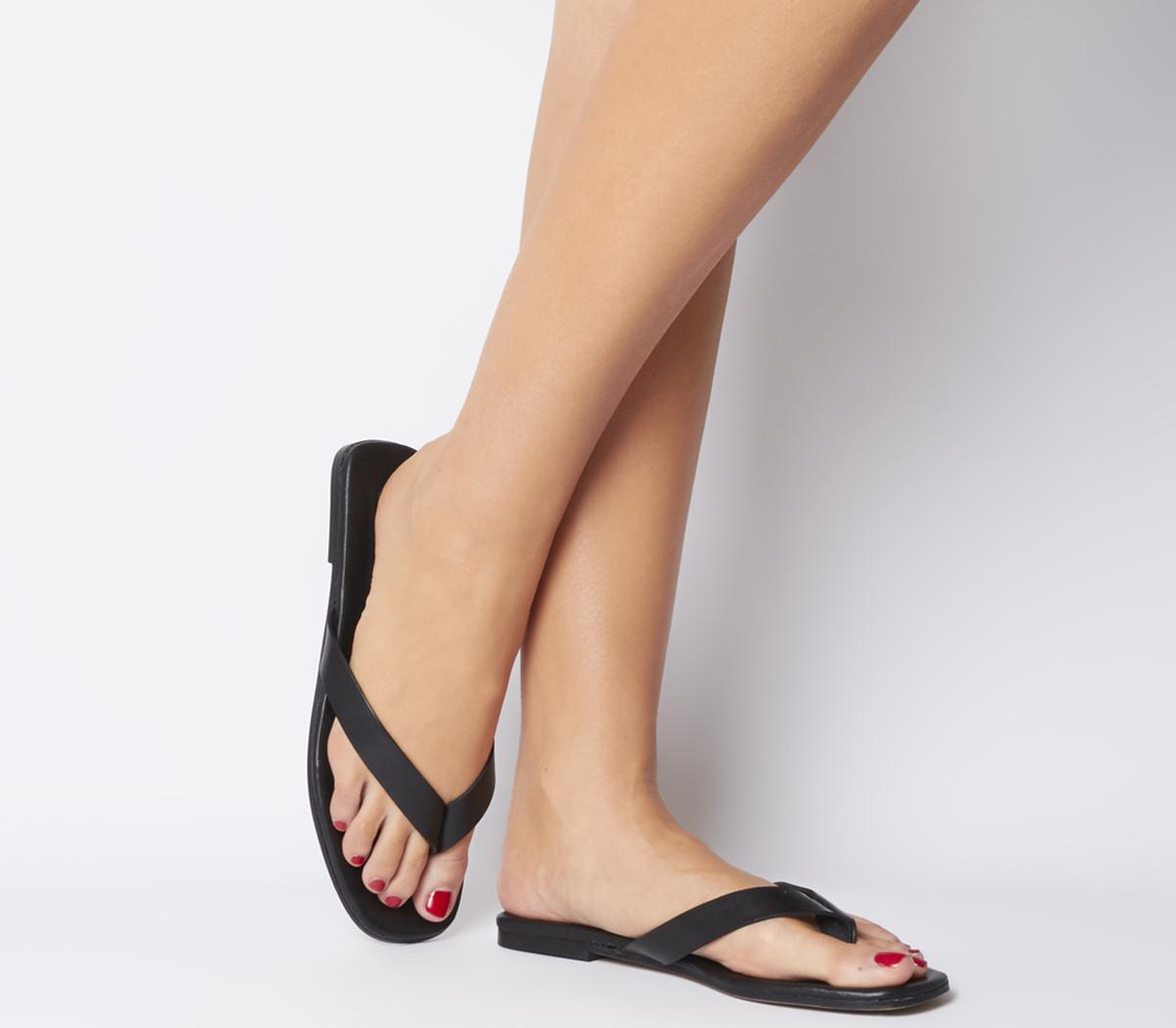 Stream Toe Post Sandals
