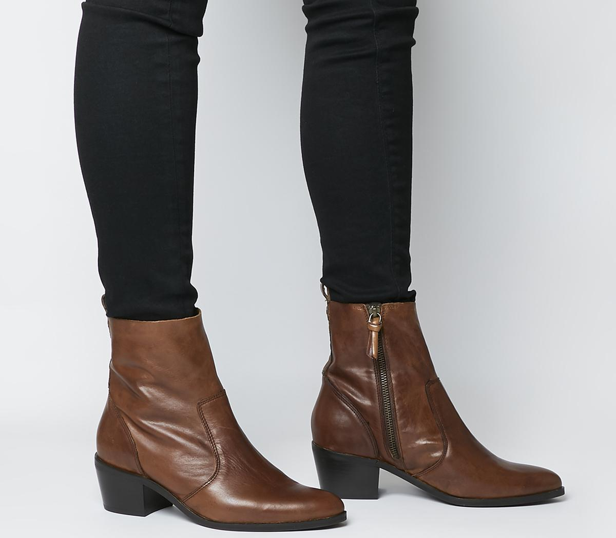 Aloe Unlined Casual Boots