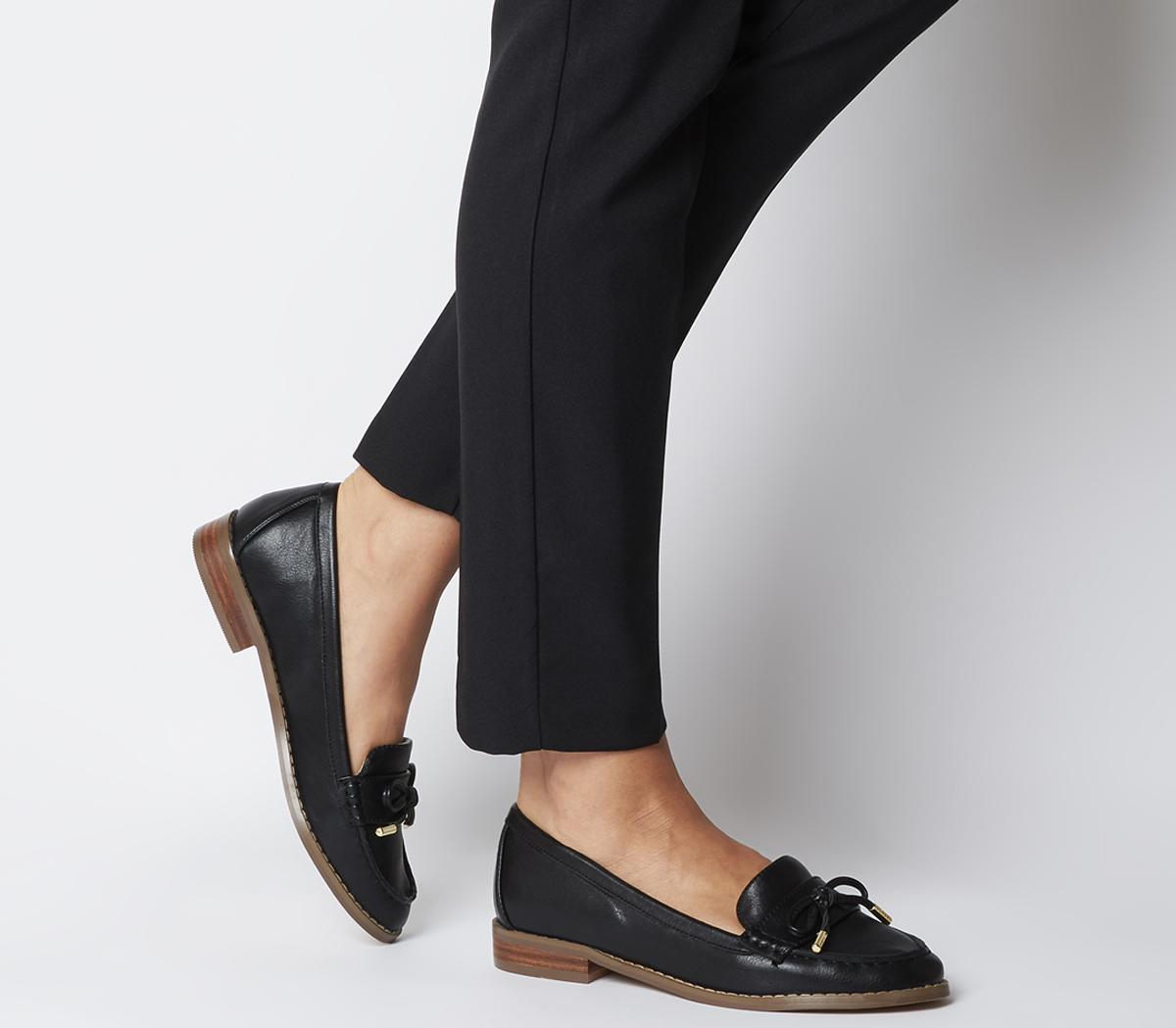 Flattered Bow Loafers