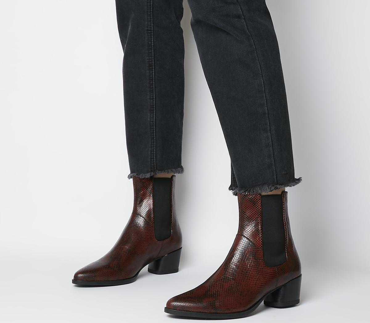 Lara Chelsea Boots