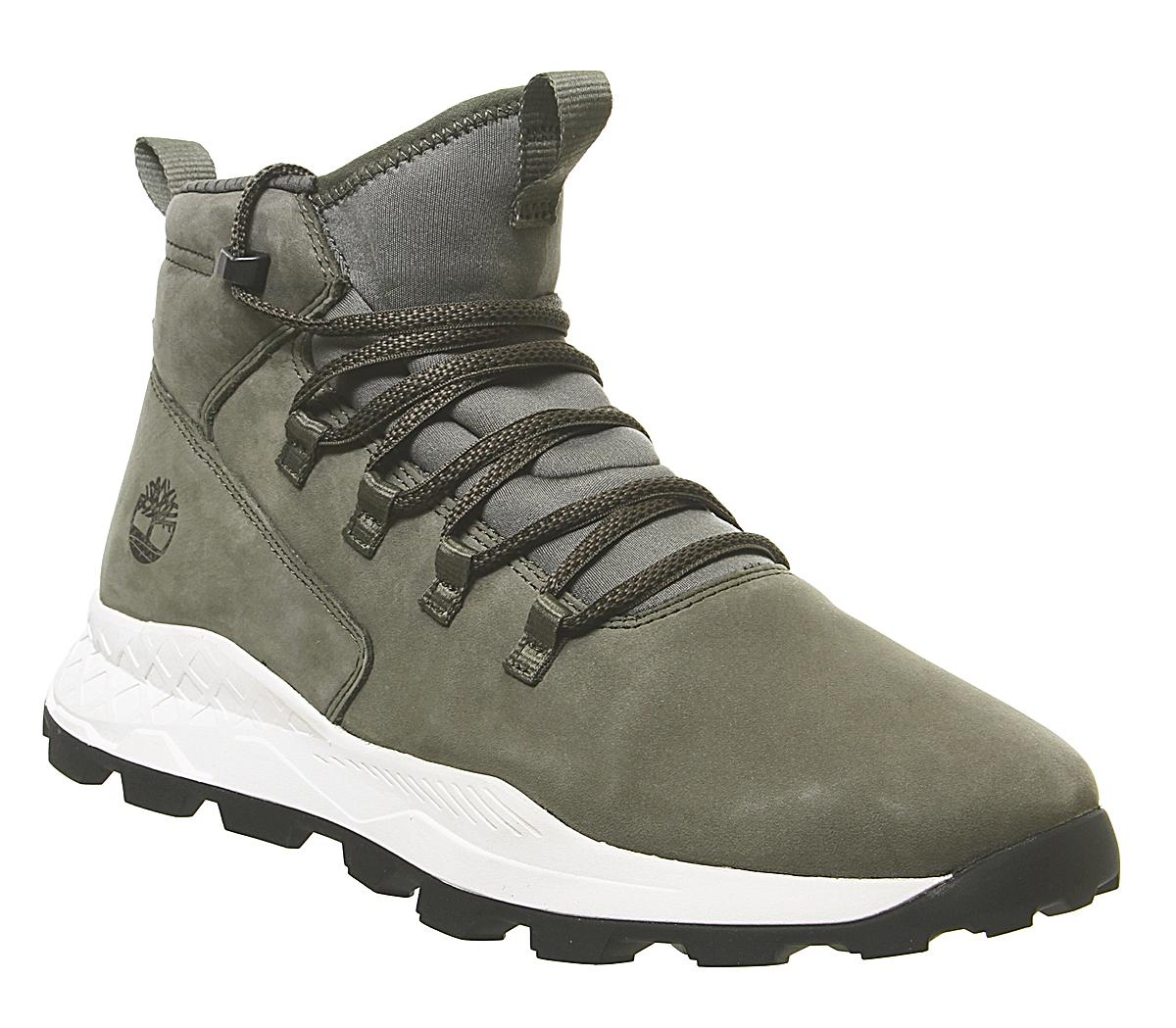 Brooklyn Modern Alpine Chukka Boots
