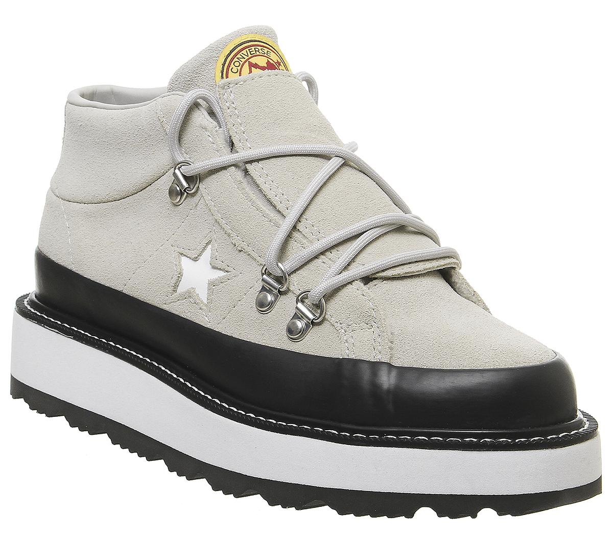One Star Fleece Lined Boots