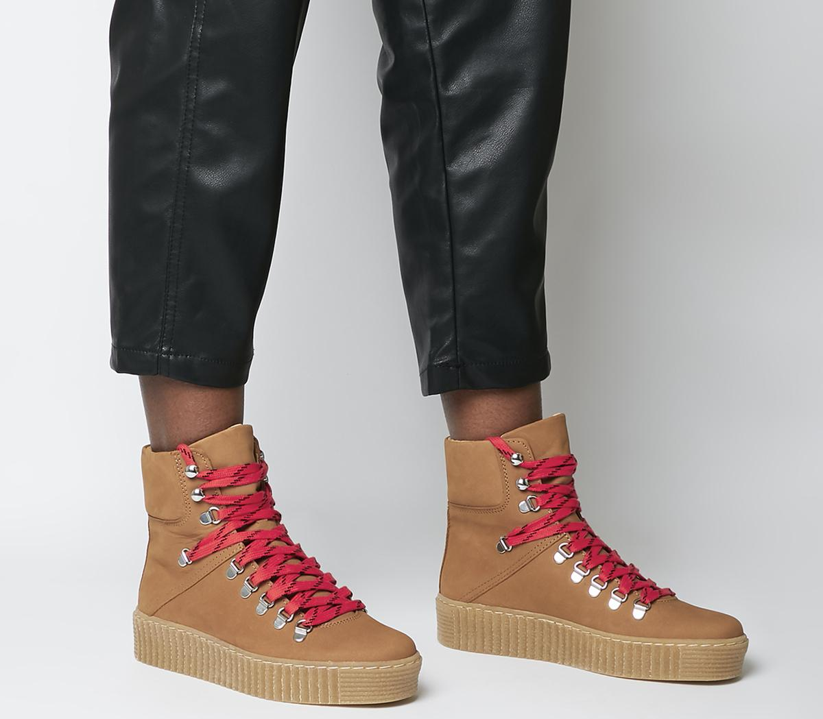 Agda L Hiker Boots