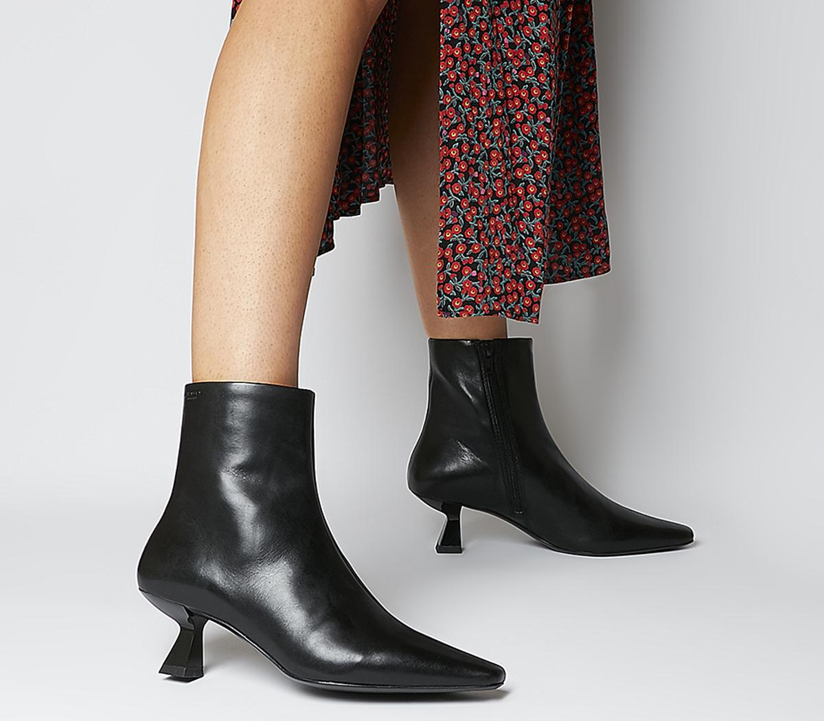 Lissie Ankle Boots