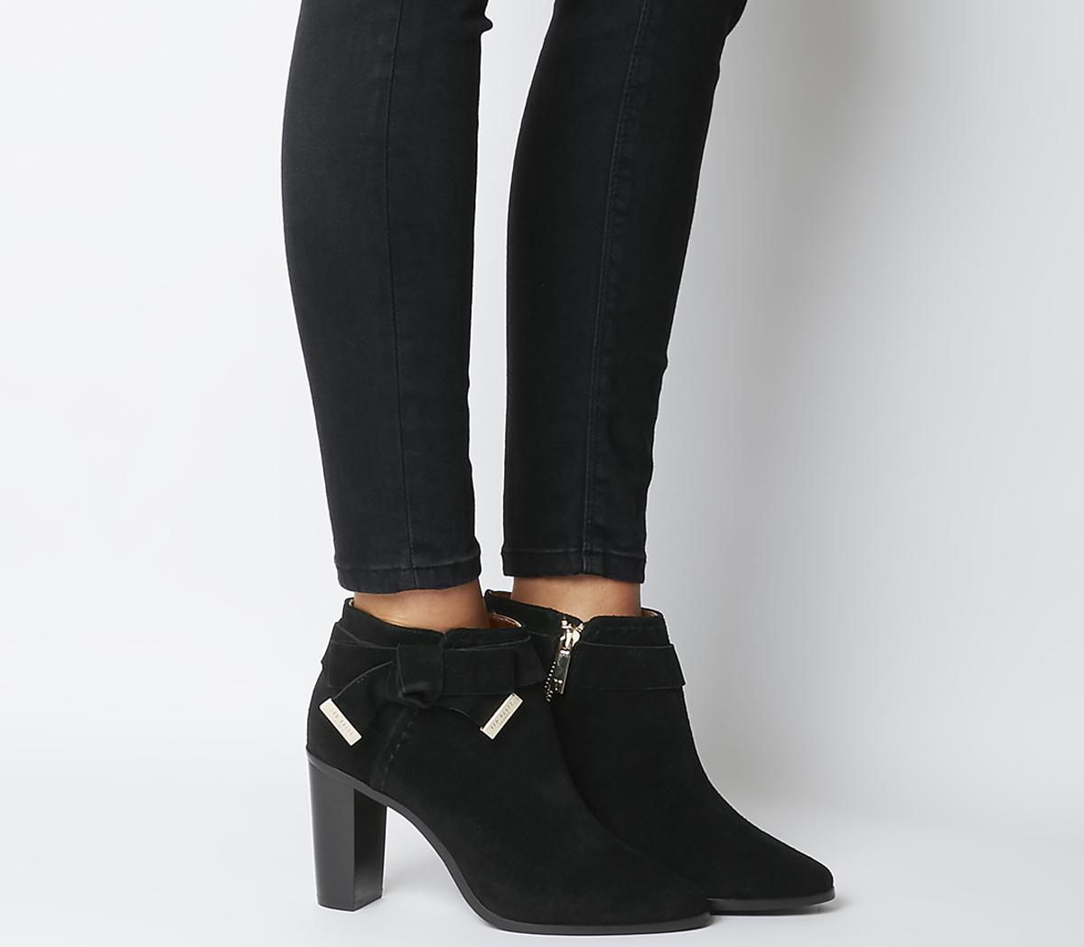 Anaedi Block Heeled Boots